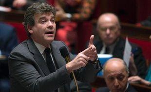 """Arnaud Montebourg affiche son indifférence à l'égard du scepticisme de l'agence Moody's sur les chances de succès des réformes proposées par François Hollande, estimant notamment que la baisse des charges des entreprises """"aura un effet important""""."""