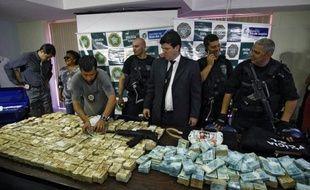 Le récent coup de filet contre les patrons des jeux clandestins, principaux parrains du carnaval de Rio est un coup dur porté au crime organisé, mais pour l'asphyxier totalement il faudra modifier le code pénal et couper son bras financier.