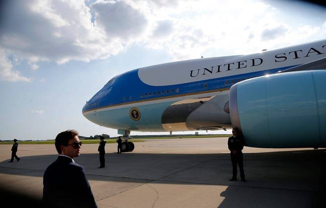 648x415 air force one taxis at cincinnati northern kentucky international airport in hebron ky on thursday