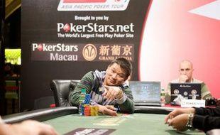 Johnny Chan et ses dix bracelets WSOP sont les grandes stars du Big Game de Macao