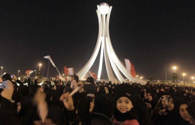 A Manama, à Bahrein des manifestants sur la place de la Perle, le 19 février 2011