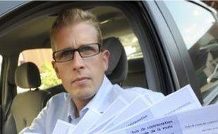 Frédéric a reçu neuf contraventions en un mois pour avoir emprunté la voie réservée.