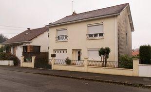 La famille Troadec est domiciliée dans un quartier pavillonnaire à Orvault près de Nantes.