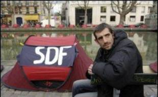 Augustin Legrand, président de l'association Les Enfants de Don Quichotte, a indiqué jeudi soir à l'AFP que son mouvement citoyen allait s'étendre dans les jours à venir à plusieurs villes de France, avec l'installation de tentes notamment à Lyon, Lille, Toulouse ou Rennes.