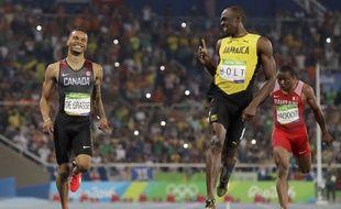 Andre De Grasse et Usain Bolt en demi-finales du 200m à Rio, le 17 août 2016.