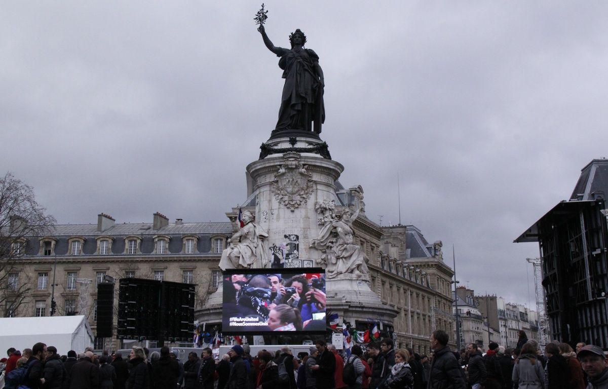 La place de la République ce dimanche lors des commémorations – R.LESCURIEUX