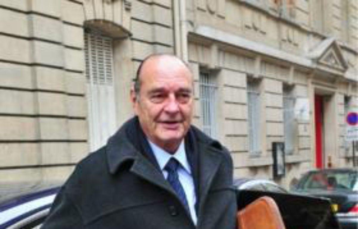 Jacques Chirac devant son bureau parisien, le 1er février. –  HADJ / SIPA