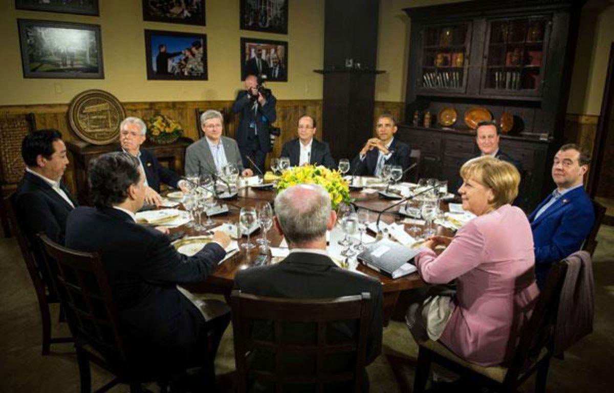 Les dirigeants du G8 et de l'Union européenne à Camp David (USA), le 18 mai 2012. – Guido Bergmann/AP/SIPA