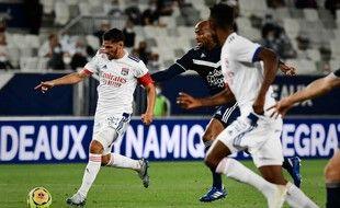Houssem Aouar retrouve une place de titulaire après sa bonne entrée à Bordeaux.