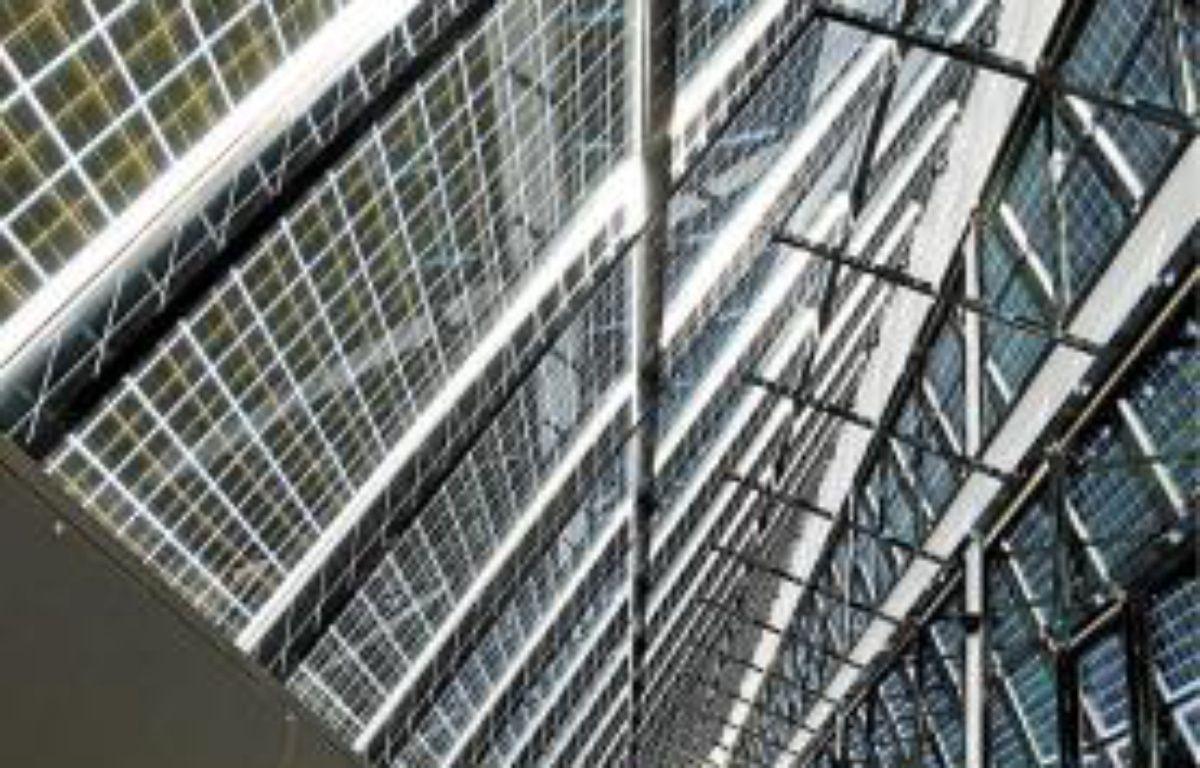 La façade sud est recouverte de panneaux photovoltaïques. –  f . scheiber / 20 minutes