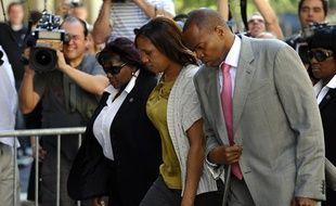 Nafissatou Diallo arrive au bureau du procureur Cyrus Vance Jr. à New York avec son avocat, Kenneth Thompson, le 27 juillet 2011.