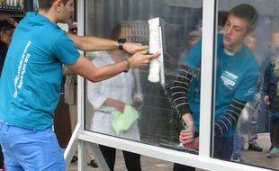 Un concours de lavage de vitre organisé pour valoriser les métiers de la propreté