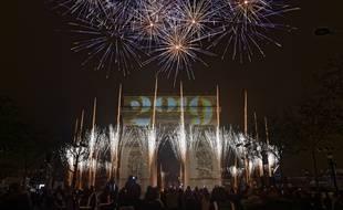 Spectacle sons et lumières sur les Champs-Elysées à l'occasion du passage à la nouvelle année 2019. Crédit:SADAKA EDMOND/SIPA.