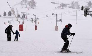 Le 14 janvier 2016 aux 2 Alpes, au lendemain de l'avalanche qui a causé la mort de deux lycéens lyonnais et un skieur ukrainien.   / AFP / PHILIPPE DESMAZES