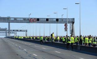 Des «gilets jaunes» sur le pont d'Aquitaine le 17 novembre