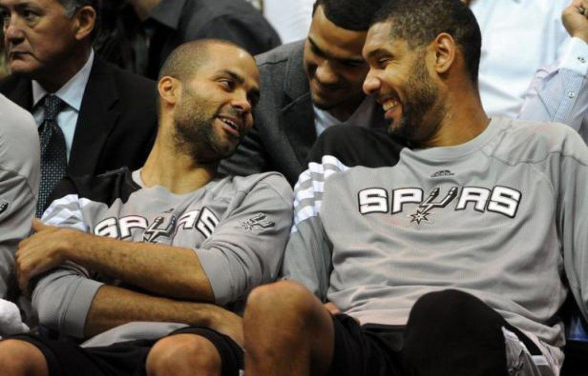 Les Spurs de San Antonio ont battu, lundi à Salt Lake City, Utah Jazz 87-81 remportant ainsi la série (au meilleur des sept matches) 4 victoires à 0 et se qualifiant pour le 2e tour des play-offs NBA (demi-finales de Conférence Ouest). – Steve Dykes afp.com