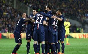 Les joueurs du PSG fêtent un but lors du match contre Nantes le 3 mai 2015.