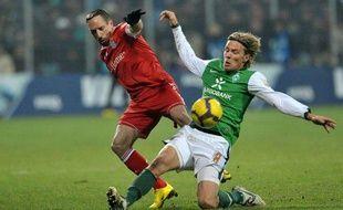 L'attaquant français du Bayern Munich, Franck Ribéry (en rouge) lors d'un match de Bundesliga contre le Werder Brême, le 22 janvier 2010.