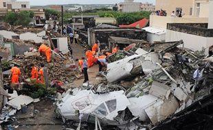 Quarante-huit personnes sont mortes et 10 ont survécu dans le crash de cet avion.