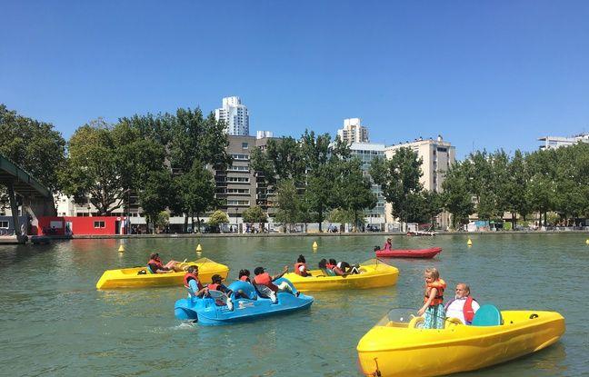 Au bassin de la Villette, il est possible de s'essayer au pédalo gratuitement.