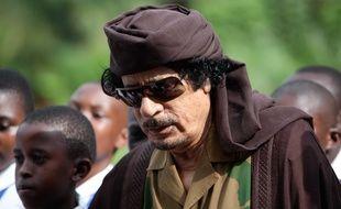 Mouammar Kadhafi était l'un des bénéficiaires des programmes de surveillance.