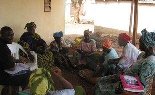 Dans l'un des villages où  l'ONG Plan International Mali intervient avec ses partenaires locaux pour lutter contre l'excision.