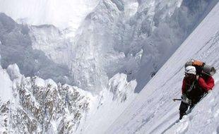 Le Mont Everest est très fréquenté
