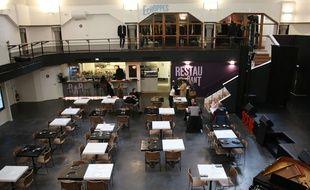 « La Grande Poste Espace Improbable » a ouvert ses portes le 15 novembre 2016, dans l'ancienne Poste principale de Bordeaux, un bâtiment Art Déco des années 1920