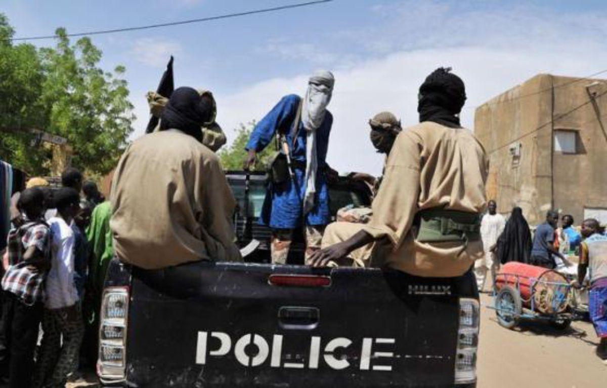 Les groupes islamistes armés qui occupent et se partagent le nord du Mali depuis fin mars agissent en parfaite coordination sous la houlette d'Al-Qaïda au Maghreb islamique (Aqmi), maître du jeu dans la région, selon des informations concordantes recueillies par l'AFP. – Issouf Sanogo afp.com