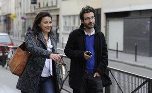 Les responsables d'Europe Ecologie-Les Verts (EELV) vont décider de participer au futur gouvernement, si François Hollande fait appel à eux, malgré leur faible score à la présidentielle, poussés en ce sens par Cécile Duflot qui a annoncé lundi son départ de la tête du parti.