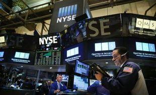 Des opérateurs à la Bourse de New York, la 15 septembre 2015