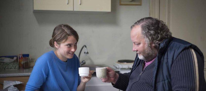 Adèle Haenel et Jean-Michel Balthazar dans La fille inconnue des frères Dardenne