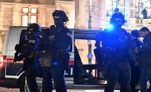 Présence policière renforcée dans le centre de Vienne, le 2 novembre 2020.