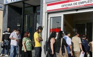 La Banque d'Espagne a estimé mardi que la récession dans le pays allait s'aggraver en 2013, et que le chômage, qui touche déjà plus d'un quart de la population active, allait poursuivre sa hausse.