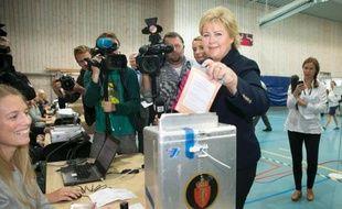 La Norvège semblait s'acheminer vers l'alternance lundi à l'occasion de législatives qui pourraient voir un parti populiste anti-immigration entrer pour la première fois dans un gouvernement aux côtés des conservateurs, deux ans après les attaques de Breivik.