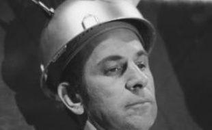 Don Adams, dans «Shock it to Me», en 1969.