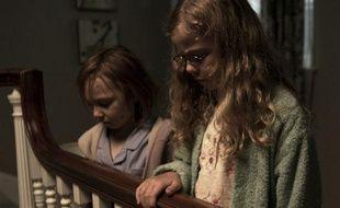Cinema - Mama - Isabelle Nelisse, Megan Charpentier