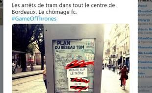 """Une image sur Twitter des affiches dévoilant la fin de la série """"Game of Thrones"""", posées sur des stations de tram à Bordeaux."""
