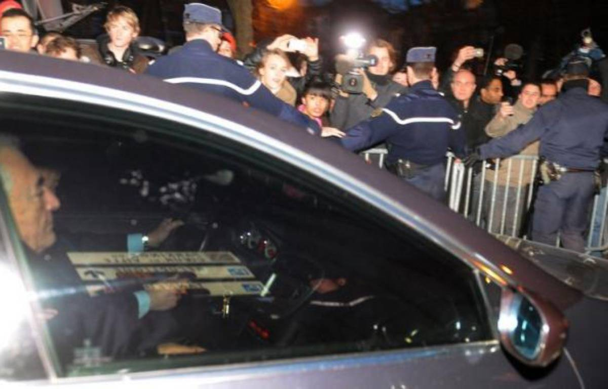 """Dominique Strauss-Kahn va déposer plainte pour """"violation manifeste de ses droits"""", ont annoncé ses avocats mercredi, jour de la publication dans Le Monde des procès-verbaux de sa garde à vue fin février à Lille dans le cadre de l'affaire dite du Carlton. – Francois Lo Presti afp.com"""