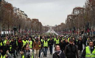 A Paris, la préfecture de police a dénombré 2.000 «gilets jaunes» peu avant 16 heures, contre près de 4.000 samedi dernier selon une source policière.