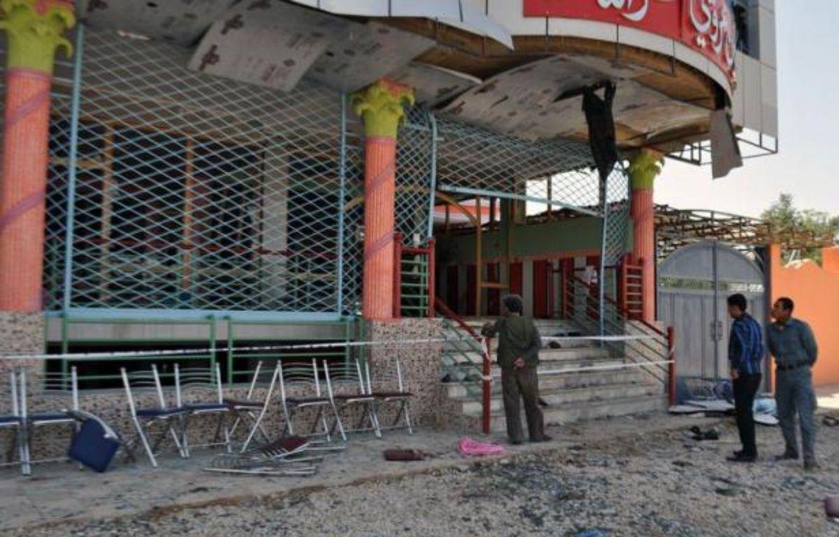 Quelque 17 personnes sont mortes et 43 blessées lorsqu'un kamikaze s'est fait exploser lors d'une fête de mariage samedi dans la province de Samangan, au nord de l'Afghanistan, selon un bilan, révisé à la baisse, de la présidence. – Str afp.com
