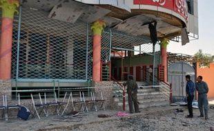 Quelque 17 personnes sont mortes et 43 blessées lorsqu'un kamikaze s'est fait exploser lors d'une fête de mariage samedi dans la province de Samangan, au nord de l'Afghanistan, selon un bilan, révisé à la baisse, de la présidence.