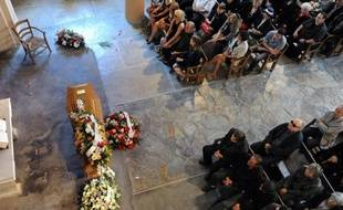 """Evoquant sa gaieté, sa force, sa simplicité et son attachement à """"ses"""" Cévennes, les villageois de Saint-André-de-Valborgne (Gard) ont rendu un dernier hommage à la comédienne Bernadette Lafont, décédée jeudi à Nîmes à l'âge de 74 ans."""