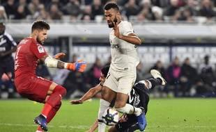 Choupo Moting aurait pu obtenir un penalty en fin de match contre Bordeaux.