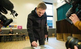 Kristian Thulesen Dahl, leader d'un parti de l'opposition, le Parti populaire danois (Dansk Folkeparti, DF) vote le 3 décembre 2015, à Thyregod, au Danemark