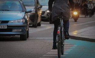 Illustration. Vélos et visibilité. Strasbourg le 26 octobre 2016.
