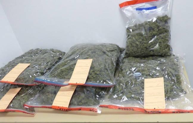 Des sachets de cannabis découverts le 22 septembre 2016 à Nantes.