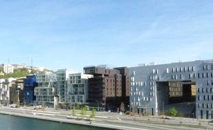 Lyon, le 9 avril 2014. Le pole de commerces et de loisirs du Confluent a ouvert a la pointe sud de la presqu'ile de Lyon au printemps 2012.