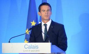 Le Premier ministre Manuel Valls le 31 août 2015 lors d'un déplacement à Calais