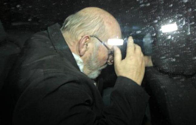Jean-Claude Mas, le fondateur de la société de prothèses mammaires PIP, à sa sortie du tribunal de Marseille, le 26 janvier 2012.